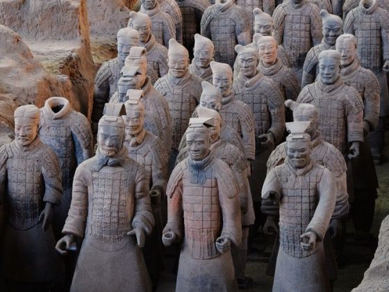 Visit the Terracotta warriors in Xi'an