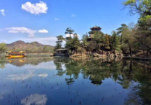 China is full of beauty - Be warned, travelling during Public Holidays is busy!